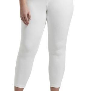 HUE- Classic Smooth Denim Capri- sz. XXL, white